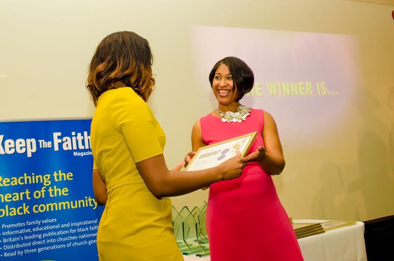 Dianhanne Rhiney - WWA Judge presenting an award